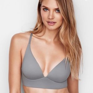 Victoria's Secret lightly lined plunge bra